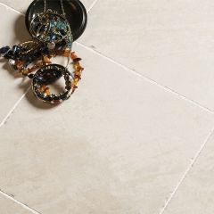 IS Olympus Creme Tumbled Marble 15 x 15cm
